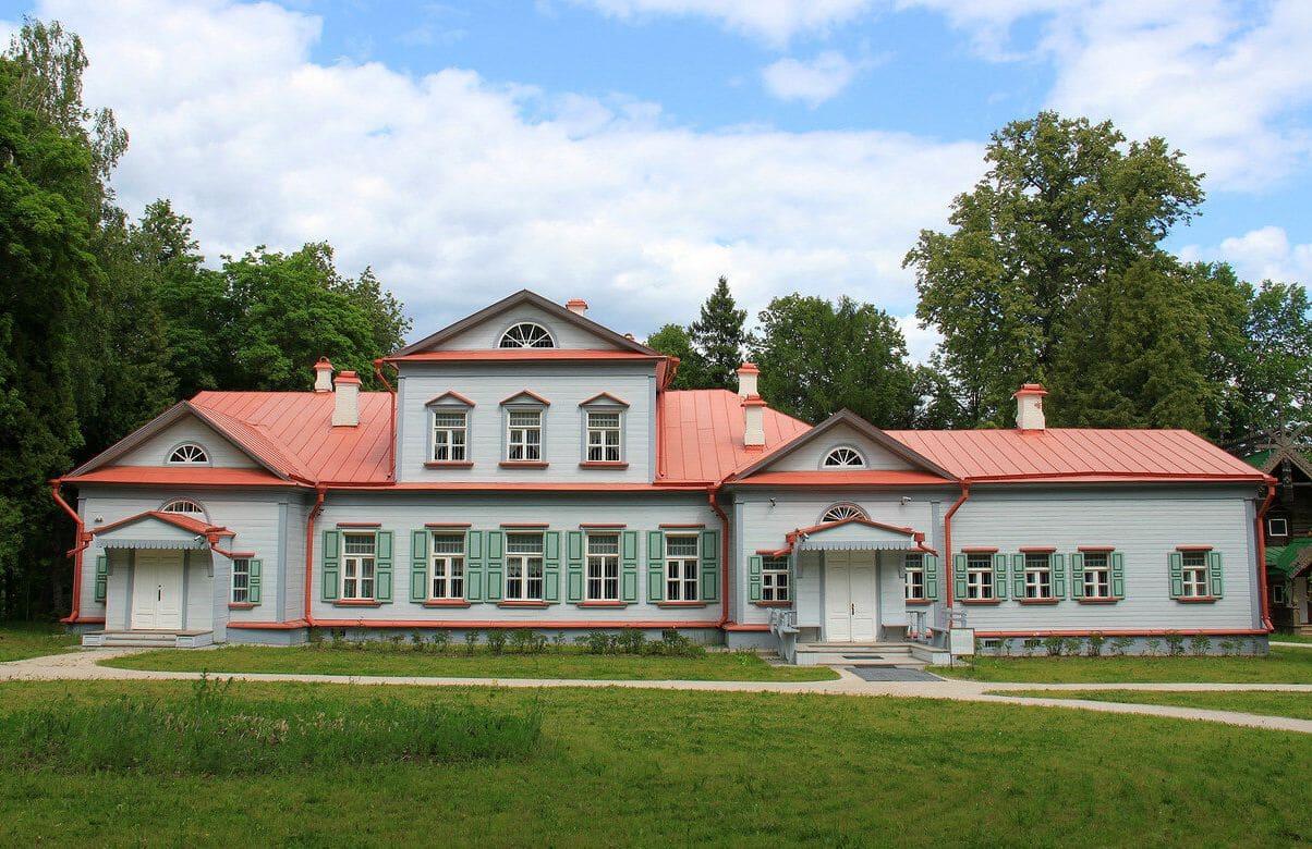 Усадьба Абрамцево в Москве