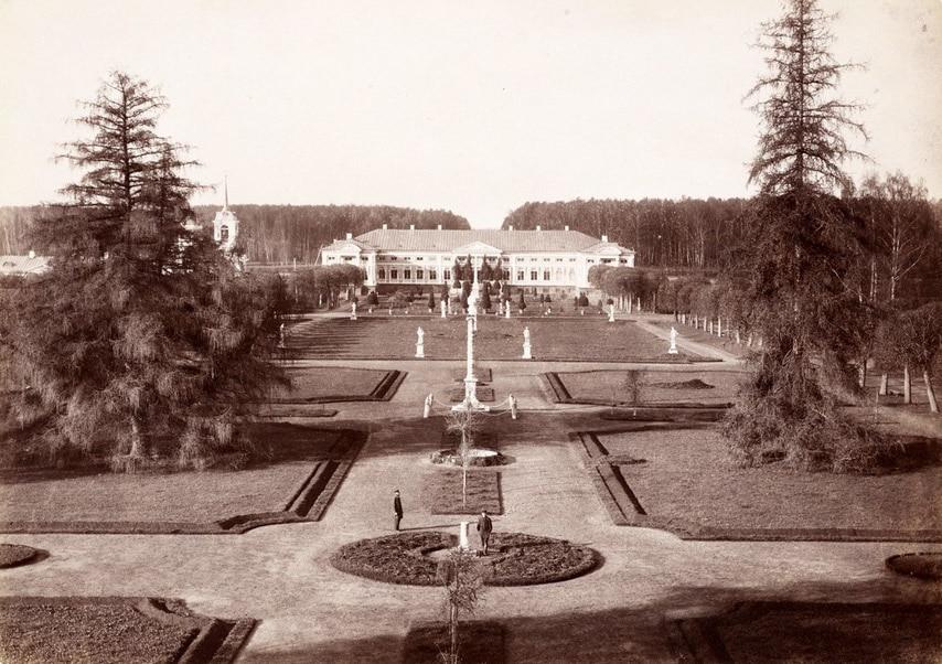 Усадьба Кусково. Партер со стороны оранжереи. 1886 год