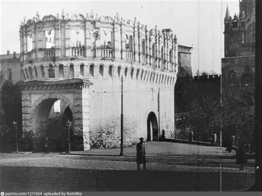 Кутафья башня Московского Кремля, 1918 г.