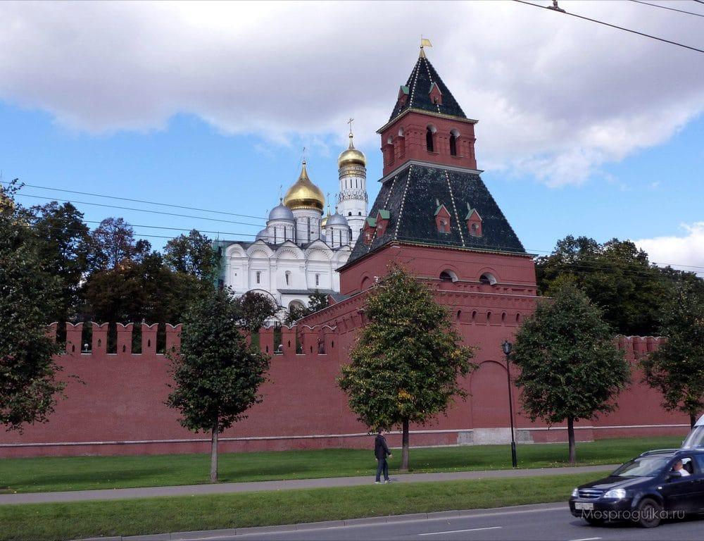 Благовещенская башня Московского Кремля