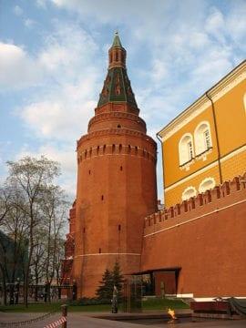 Угловая Арсенальная башня Московского Кремля