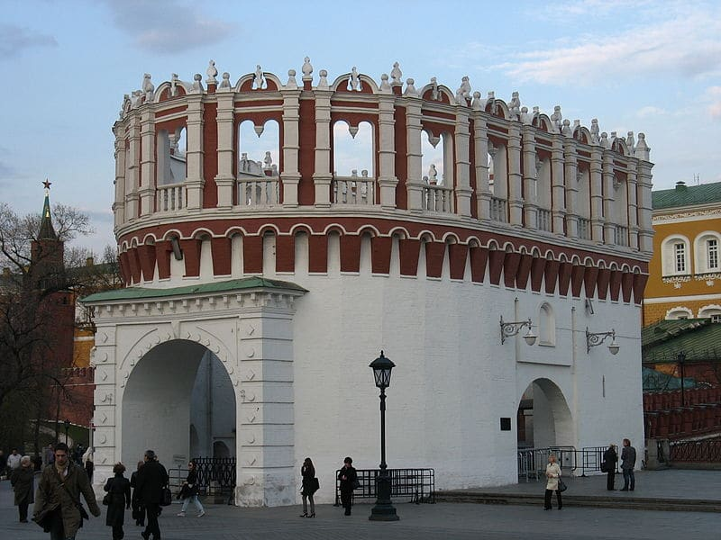 Башня Кутафья (Предмостная) Московского Кремля