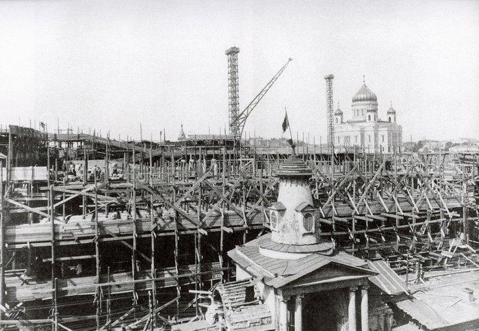 Строительство дома на Набережной, конец 1920-х годов