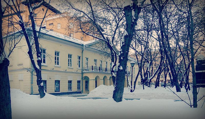 Никитский бульвар. № 7А — усадьба графа Александра Толстого, 2010