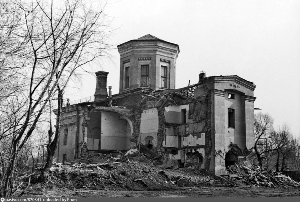Храм Архангела Михаила - 1977 год. Автор И.Г. Авдеев