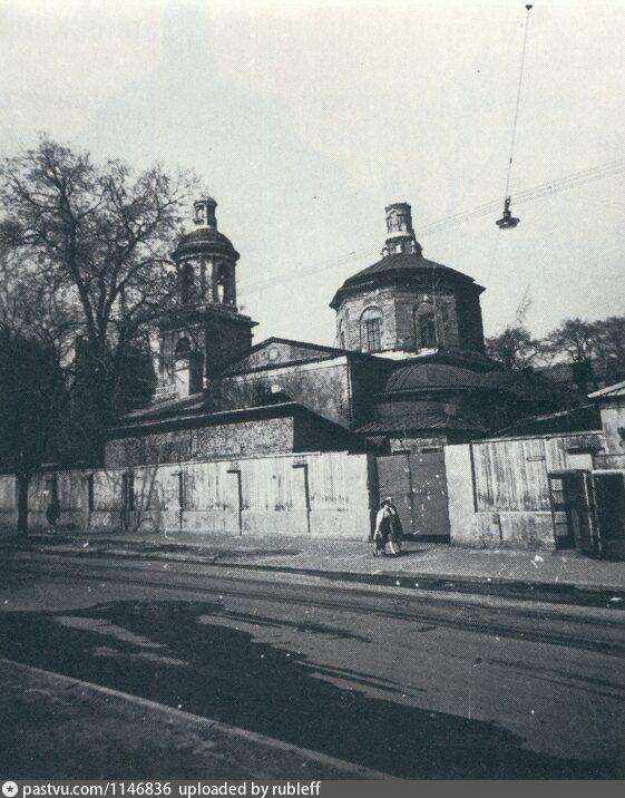Тихвинская церковь, 1979. Автор Паламарчук П.Г., взято с pastvu.com